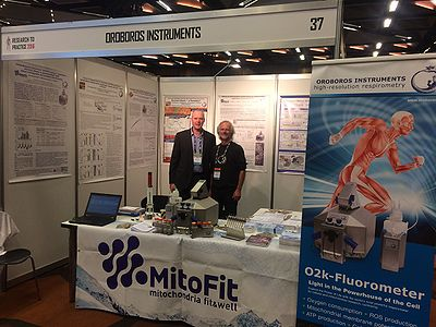 Nigel K Stepto and  Erich Gnaiger at the OROBOROS exhibition booth at Research to Practice  2016 in Melbourne